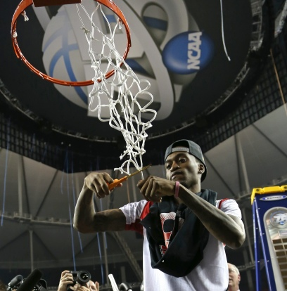 Kevin_Ware_cuts_the_net_after_2013_NCAA_championship