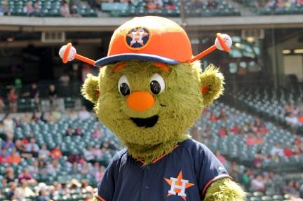 Orbit_Houston_Astros_mascot_preseason_2014